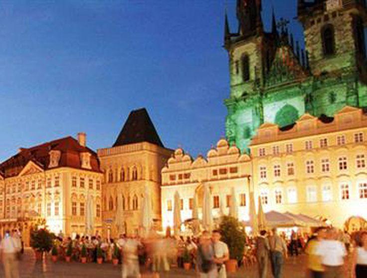 Entdecke die goldene Stadt an der Moldau!  Fliege jetzt mit SWISS für nur 99.- von Zürich nach Prag.  Hier kannst du das Flug Angebot buchen: https://www.ich-brauche-ferien.ch/swiss-flug-nach-prag-fuer-99/