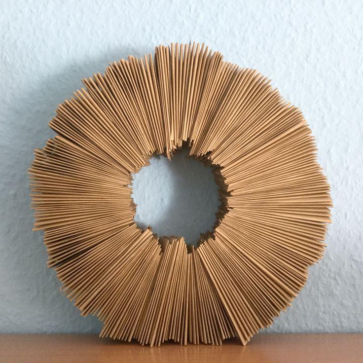 Jetzt geht's rund - oder - Ein Kranz aus Packpapier