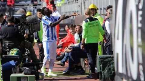 Sulley Muntari: Pescara midfielder booked after reporting 'racial abuse' - BBC Sport