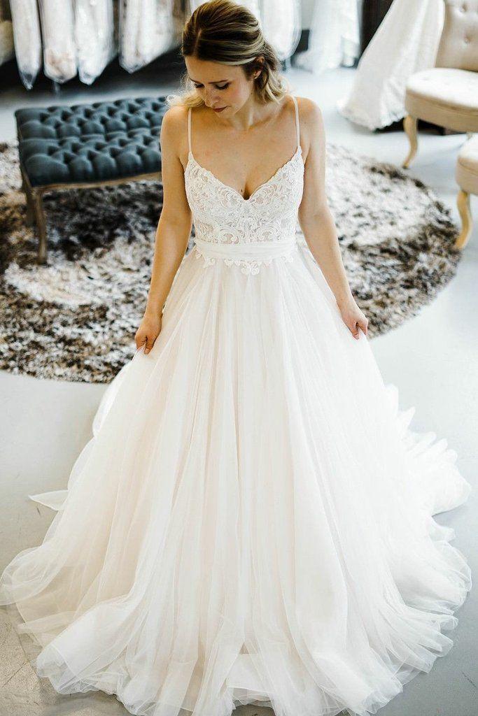Romantic Princess Fashion Wedding ceremony Attire with Spaghetti Straps