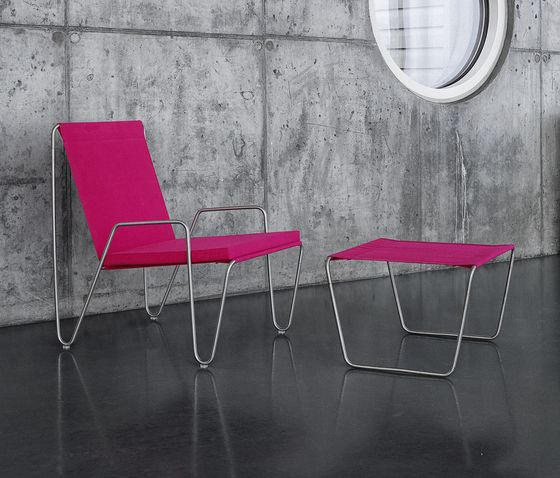 Panton Bachelor Chair with footstool | wild rose by Montana Møbler | Garden armchairs