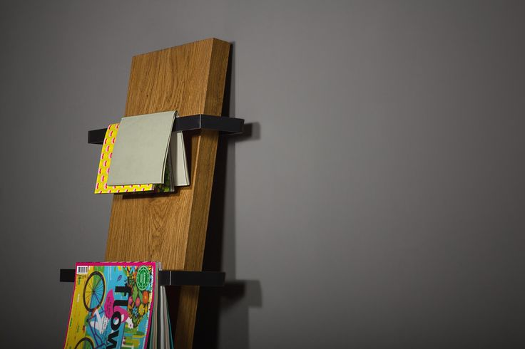 25 best ideas about zeitungsst nder wand on pinterest wand bookshelves geweih lampe and. Black Bedroom Furniture Sets. Home Design Ideas