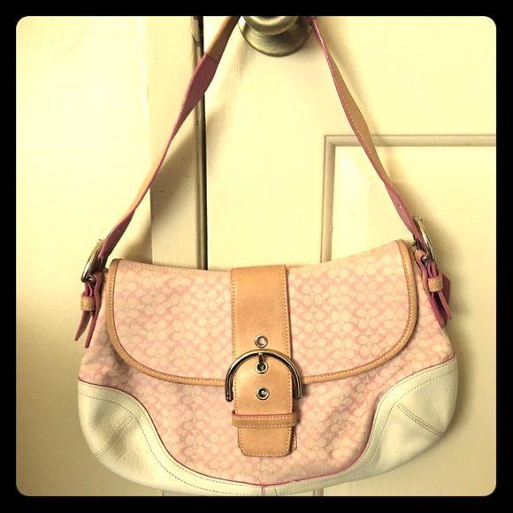 1000 ideas about pink coach purses on pinterest coach. Black Bedroom Furniture Sets. Home Design Ideas