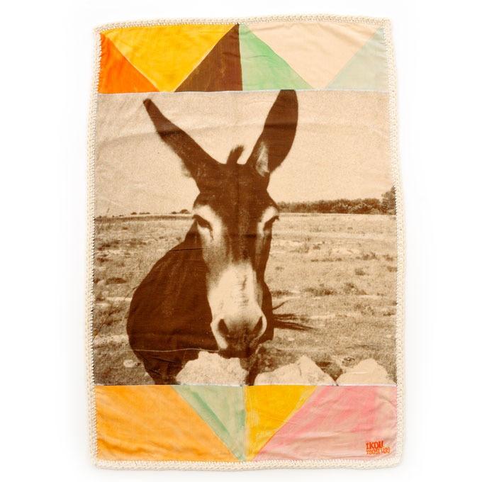 Ikou Tschuss of Switzerland — Donkey Blanket  (found via Fanja of   le train fantôme): Beach Blankets, Sweets, Kids Room, Ikoutschuss, Donkeys Blankets, Things, Ikou Tschüss, Products, Ikou Tschuss