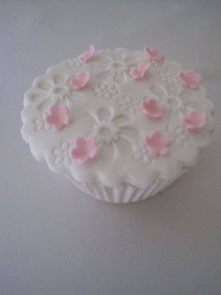 cup cake with pink flowers