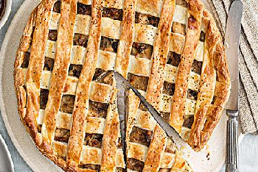 Mushroom, chicken and leek pie