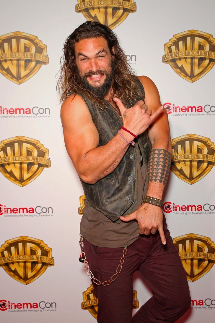 Jason Momoa Has a Signature Pose That You Probably Didn't Even Notice