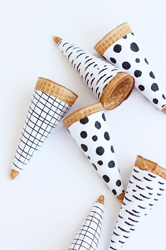 Black-and-White Ice Cream Cone Wrappers (Free Printable!)