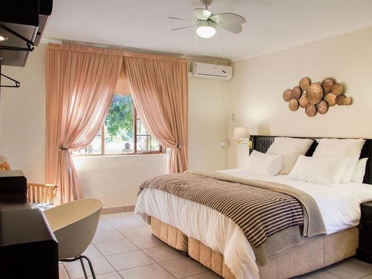 Nelspruit Lodge - Welcome to Nelspruit Lodge which offers a homely environment.  We are conveniently situated near the major routes and we have 63 spacious rooms on offer.  The rooms are fully equipped with air-conditioning ... #weekendgetaways #nelspruit #lowveldlegogote #southafrica