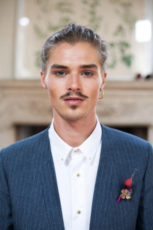 Linnèo Archivable Clothing  bespoke groom suit  hipster groom  gessato pinstripe suit groom suit