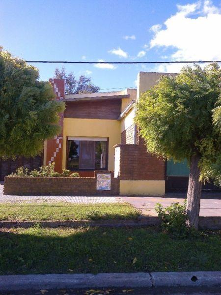 Vendo Casa En 17 De Agosto Partido De Puan Provincia De Buenos Aires