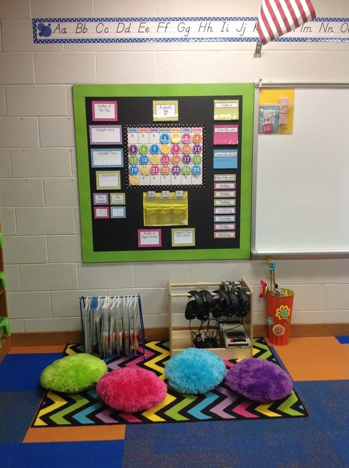 Kindergarten Calendar Center : Calendar listening station nd grade classroom