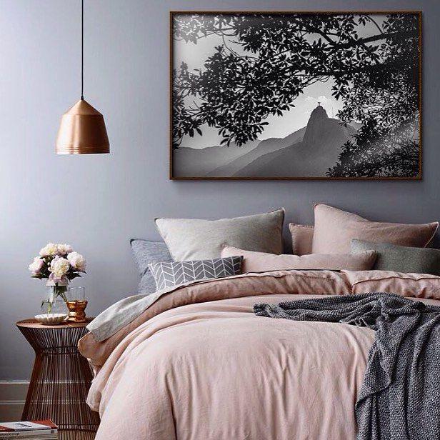 Uma composição oerfeita. Via: #pinterest  #boanoite #encantadahome #quarto #decor #decoração #nightnight #cobre #quartolindo #nightynight #art #lovely