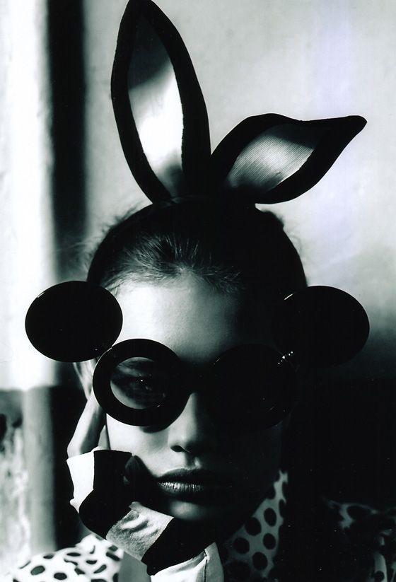Miss Bunny - photo Mario Testino