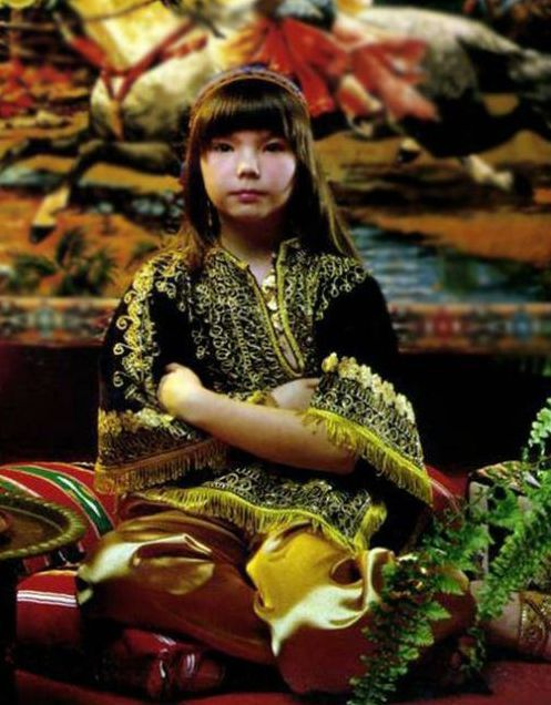 child bjork and the asian restaurant