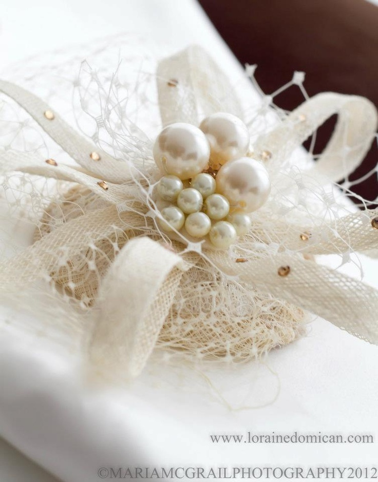 pearls: Pearls Hats, Pärlid Pearls, Pearls Wraps, Precious Pearls, Gifts Wraps, Pearls Lace, Christmas Wraps, Pearls Gifts, Wraps Ideas
