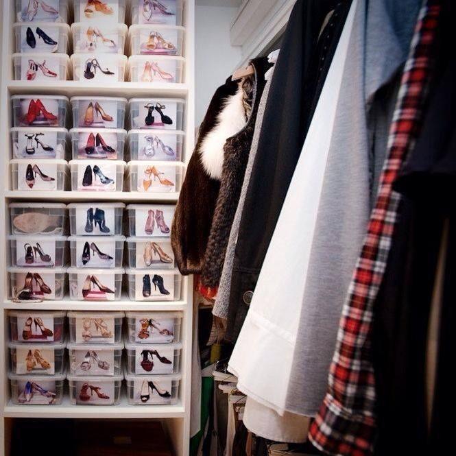 Fotos ajudam a lembrar qual sapato está em cada caixa!