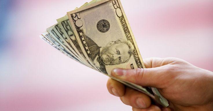 Instrucciones de la calculadora financiera Casio. Casio vende dos calculadoras financieras en Estados Unidos. Ambas operan casi de la misma manera y realizan cálculos aritméticos básicos, incluyendo porcentajes y cálculos financieros, como el modo de interés compuesto y la amortización. Los pasos a seguir para usar la calculadora financiera Casio incluyen retirar la tapa, encenderla, ajustar el ...