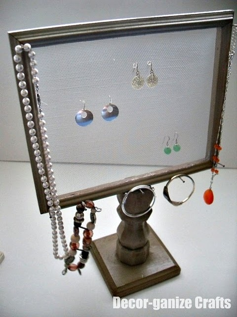 Jewlery frame pedestal for mom