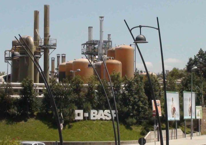 Case Rosse, caso Basf. «L'inquinamento è causato dal traffico». L'Istituto Superiore ribalta alcuni studi del passato