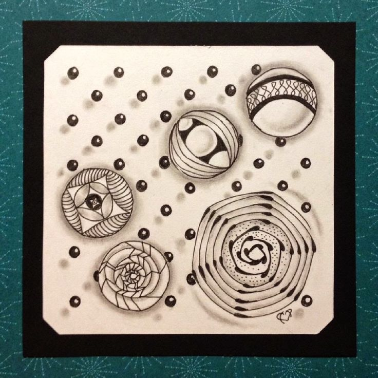 just me creating...: The Polka Dot Tangle!