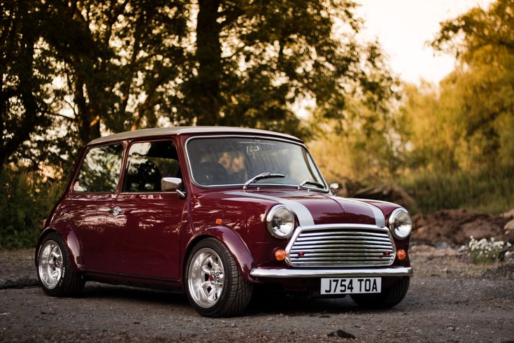 Piston prodigy. Meet life-long MINI mechanic Andrew Forbes on MINI Space.