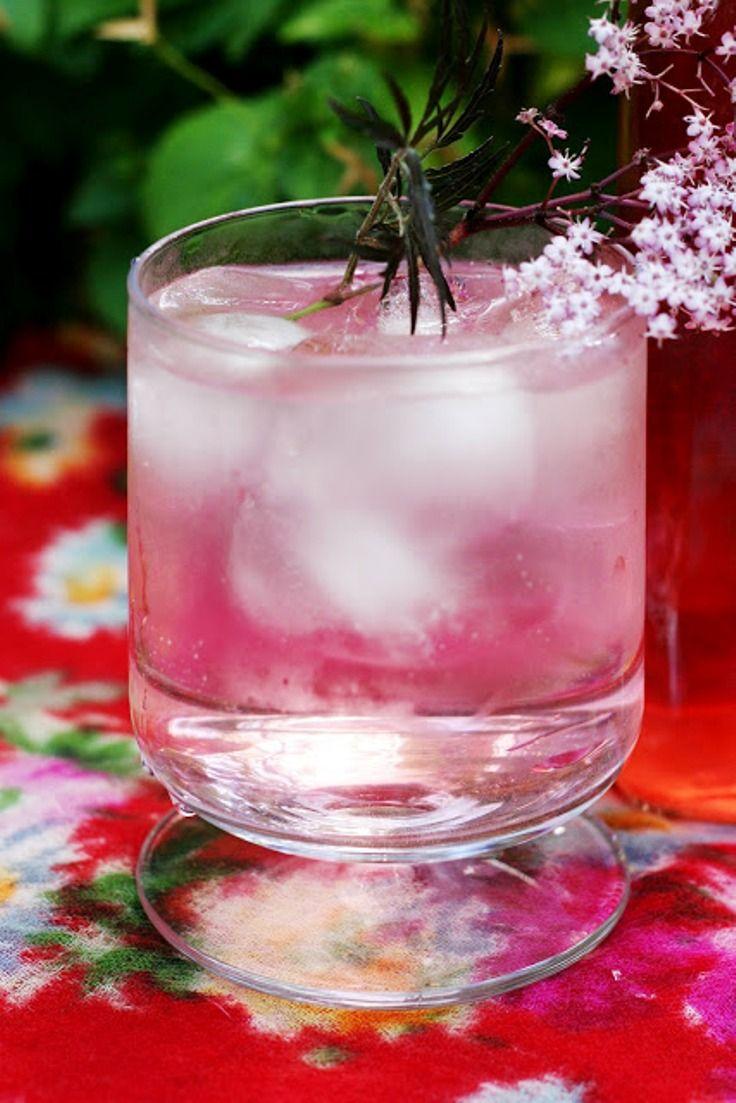 Pink Fizz Elderflower Cocktail