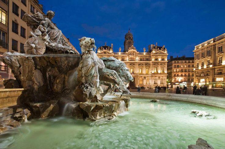 Fontaine de Bartholdi sur la place des Terreaux à Lyon