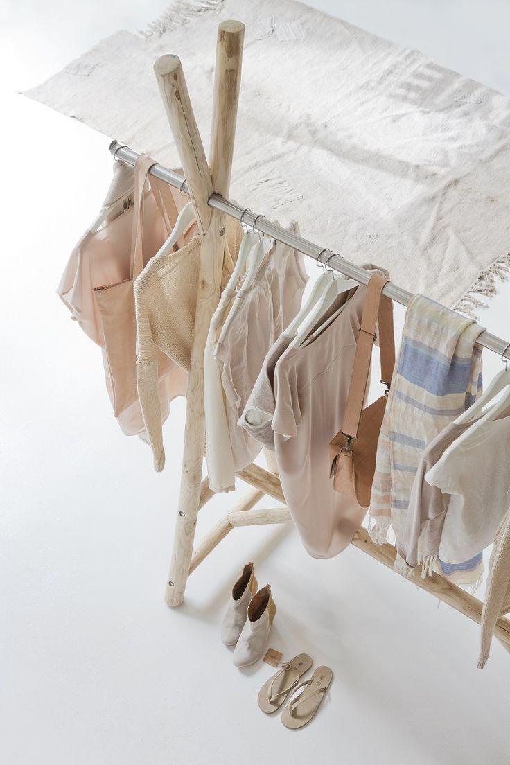 57 best portant vetement images on pinterest home ideas clothes racks and clothing racks. Black Bedroom Furniture Sets. Home Design Ideas