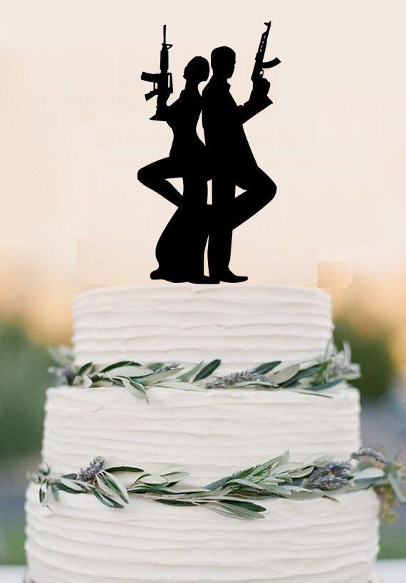 Gun Wedding cake topper, armed couple cake topper, wedding party decor – DokkiDesign
