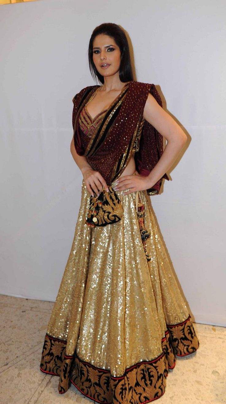 Lehenga Choli Ensemble ✏ in shades of browns & gold