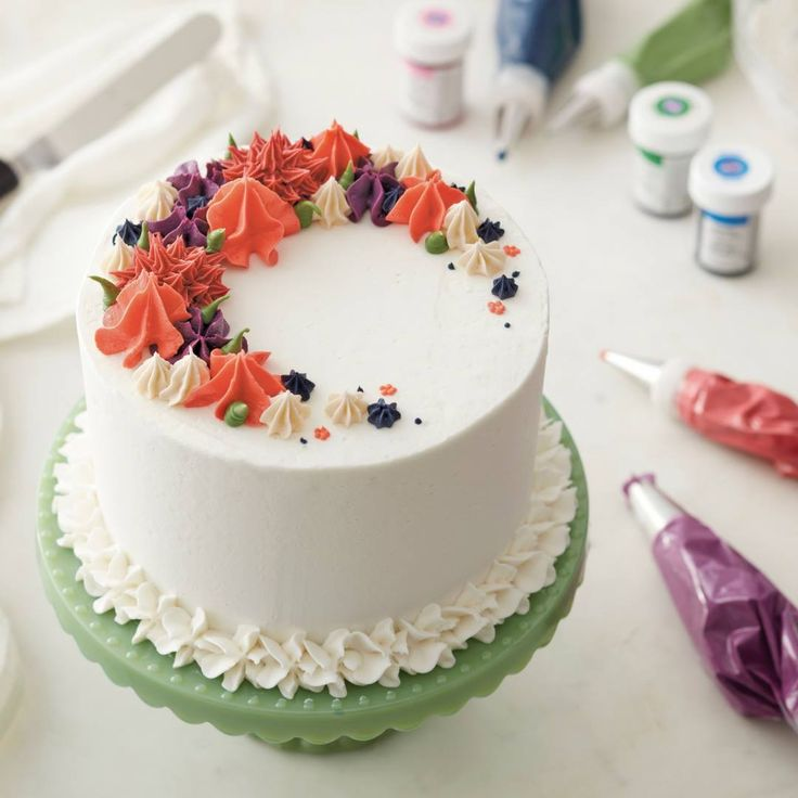 194 best Wilton Building Buttercream Skills Class Ideas images on