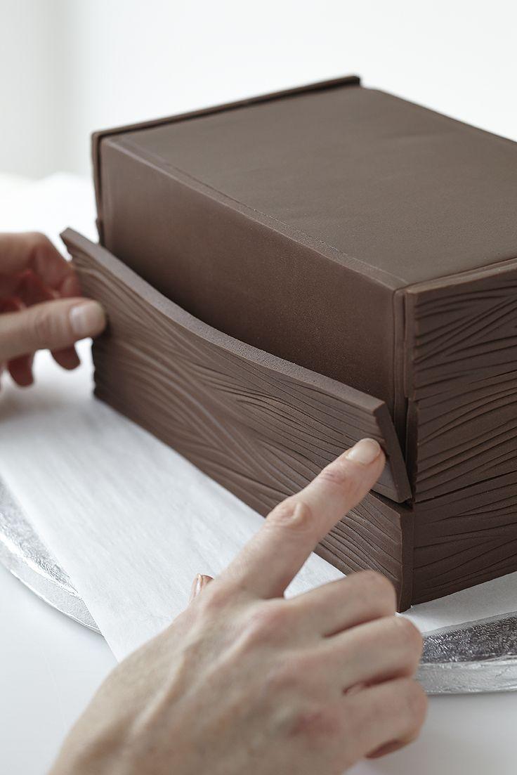 Toy box cake step 3