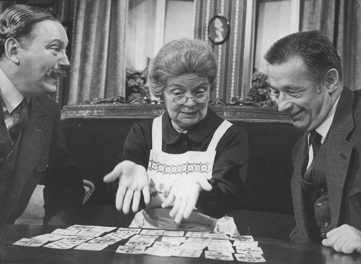 """Bobby Burg, Heidi Kabel, Joachim Wolff (v.l.n.r.) in """"Die Kartenlegerin"""", 1981"""
