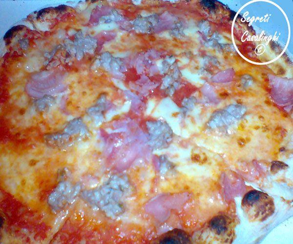 pizza microonde,ricetta pizza microonde,ricette microonde,microonde ricette pizze,pizza mozzarella pomodoro e salsiccia cotta al microonde,pizza fornetto,