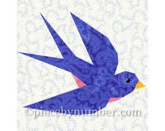 Hoewel deze quilt blokontwerp Bluebird van geluk heet, is het net zo schattig genaaid tot in veel andere kleuren, zoals u in de bovenstaande fotos zien kunt.  De Sialia of Happiness instant download vogel quilt patroon heeft: --quilt blok montage-instructies --duidelijk genoteerd papier patchwork stichtingen voor zowel links - en rechts-vliegende bluebirds --percentages grafiek om gemakkelijk vergroten of verkleinen van de 6 inch (15.2 cm) blok patronen --lijntekeningen van het blok van de…