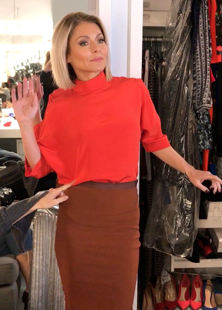 Kelly Ripa in an ALC top and skirt. LIVE with Kelly and