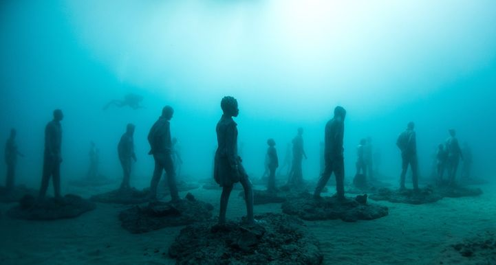 Hyperrealistic-Human-Sculptures-Submerged-in-Europe's-First-Underwater-Art-Museum-1