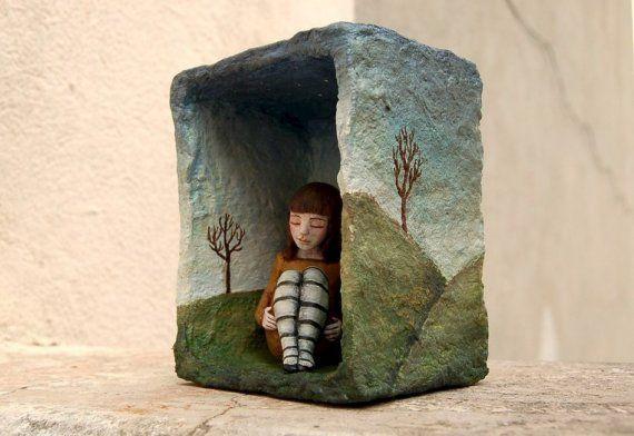 Escultura+de+ensamblaje+de+caja+de+sombra+por+CristinaGrueso