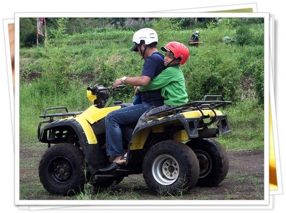 Main ATV juga ada, jalannya ga mulus loh. Nambah sensasi deh mengendarainya...
