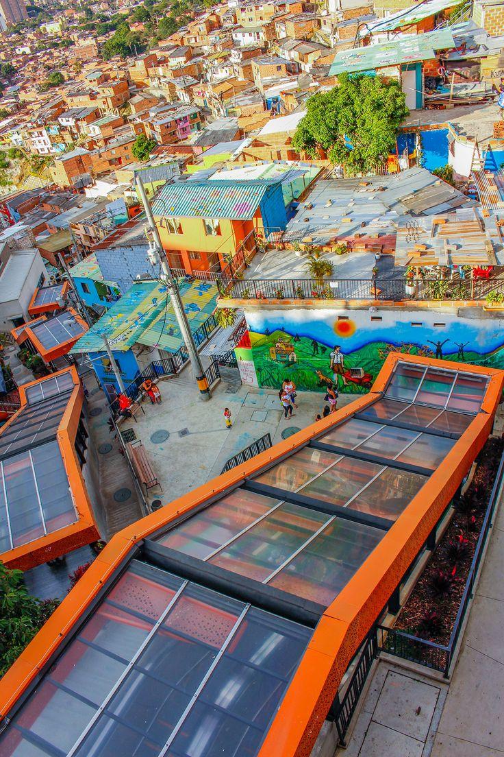 Comuna 13 y nuevo comienzo  - Medellín Travel