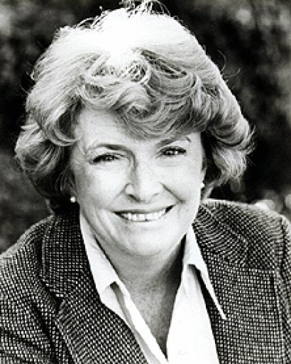 PEGGY CASS est une actrice américaine née le 21 mai 1924 à Boston, Massachusetts et décédée le 8 mars 1999 à New York. Filmographie principale : -1958 Ma tante de Morton DaCosta. -1961 Gidget Goes Hawaiian de Paul Wendkos.