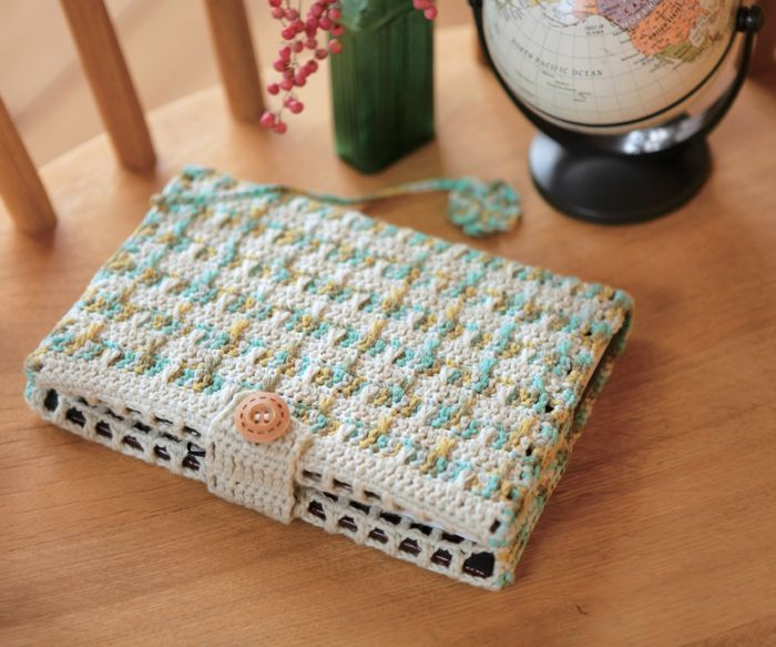 crochet book cover - free pattern