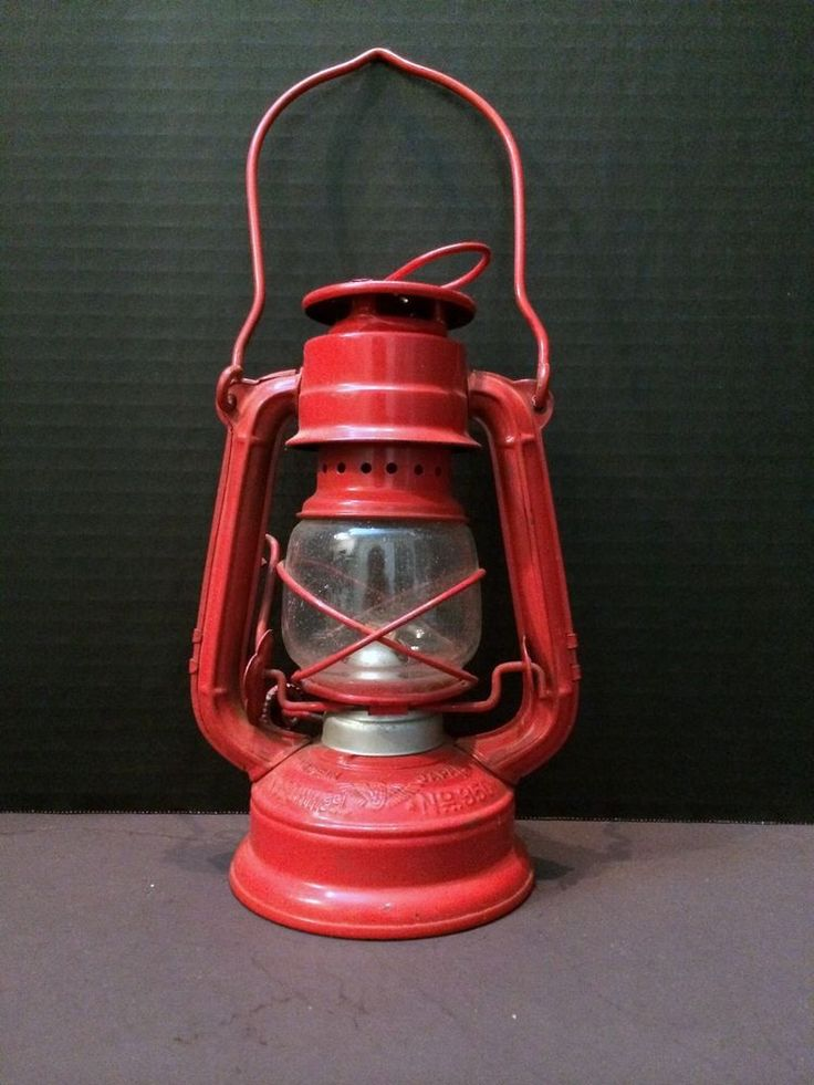 Vintage Red Winged Wheel Kerosene Lamp 350 Railroad Oil