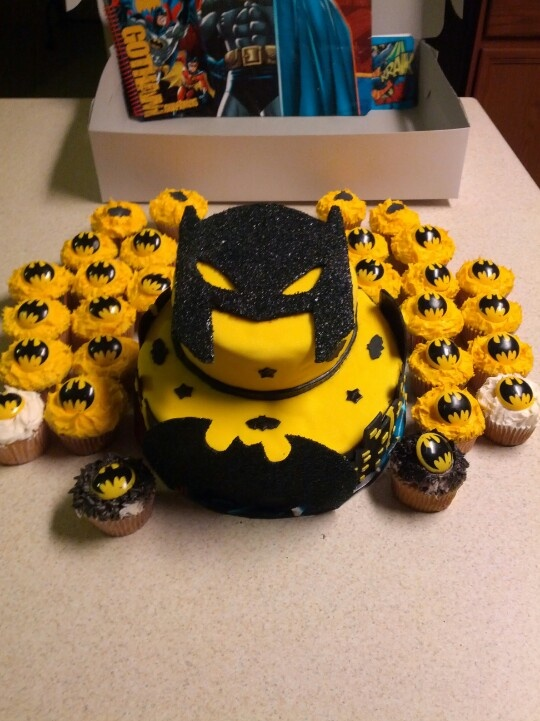 91 Best Batman Cakes Images On Pinterest