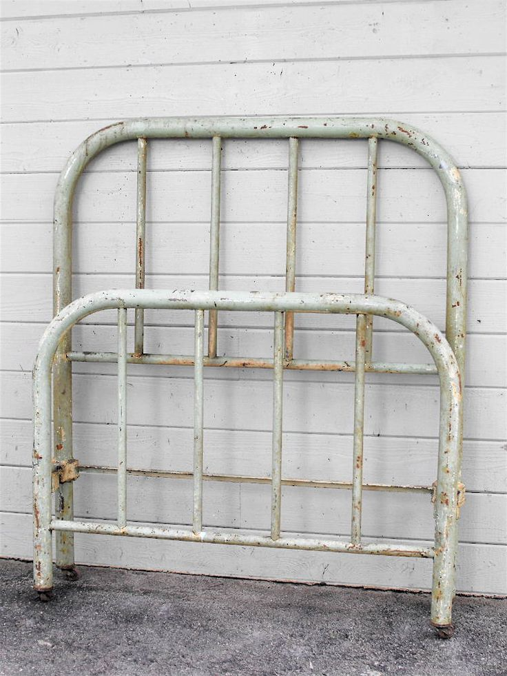 austere depression era twin antique ironbitteratticdepressionguest - Vintage Iron Bed Frames