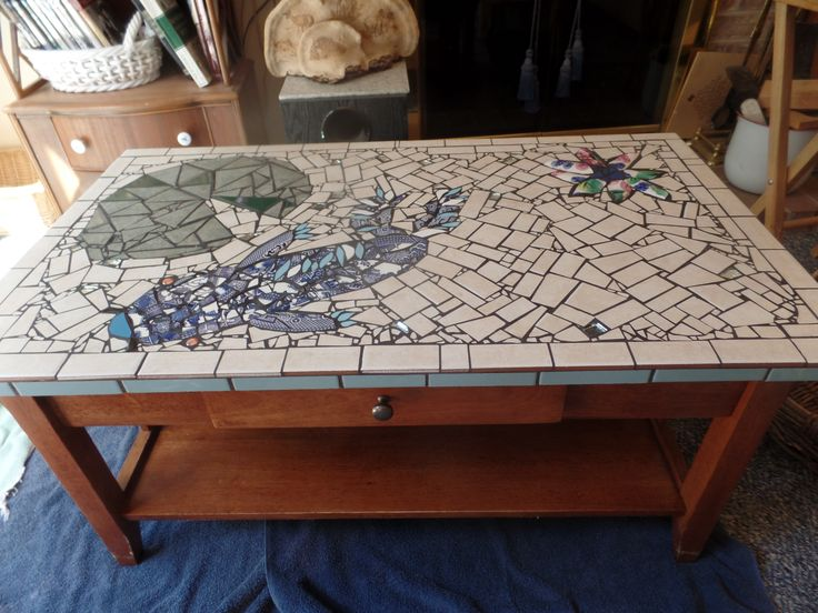 17 best images about diane 39 s mosaics on pinterest for Koi pool table