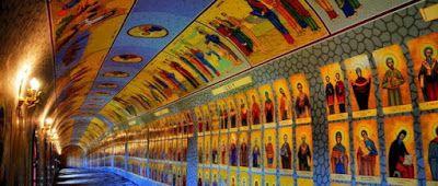 ΟΛΥΜΠΙΑΚΗ ΦΛΟΓΑ: Το τούνελ με τους 365 Αγίους..!