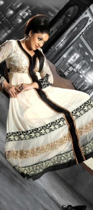 99061: #AashiqBanayaAapne fame girl #TanushreeDutta is back!Shop her exclusive wardrobe collection