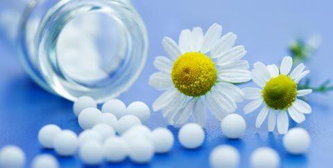 Homöopathie: Abnehmen mit Globuli: Diese Globuli unterstützen die Gewichtsreduktion, denn Globulis können den Appetit vermindern, Heißhungerattacken bremsen und den Stoffwechsel in Schwung bringen ...
